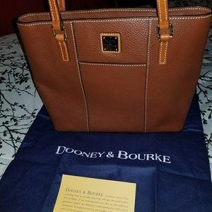 Dooney & bourke Lexington shopper